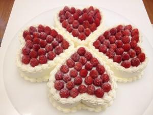 ケーキのデザインは、ダイヤモンドのカッティング!