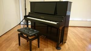 ピアノで弾き語り